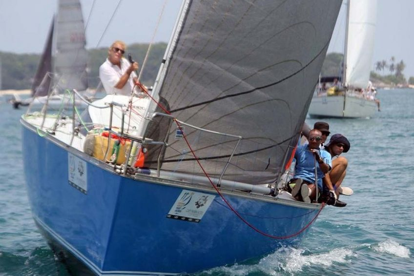11-pinnochio-racing-charter-yacht-sail-in-asia