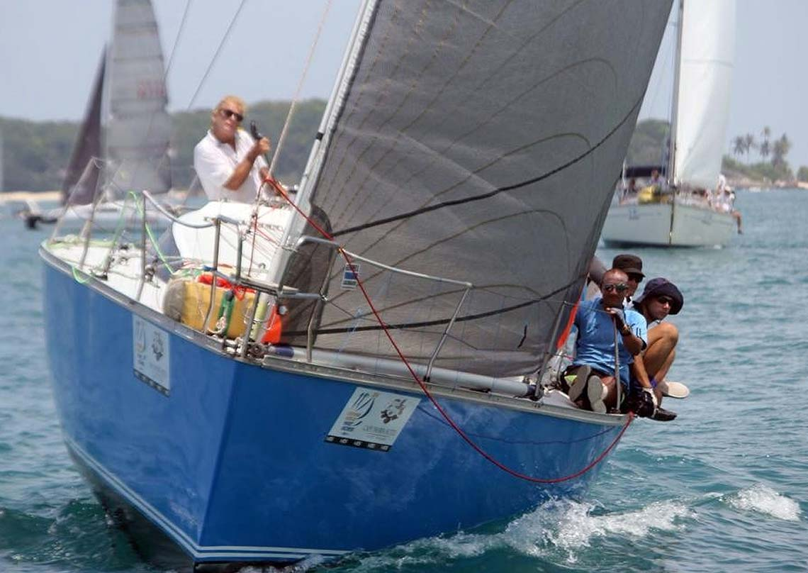 11-pinnochio-racing-charter-yacht-sail-in-asia