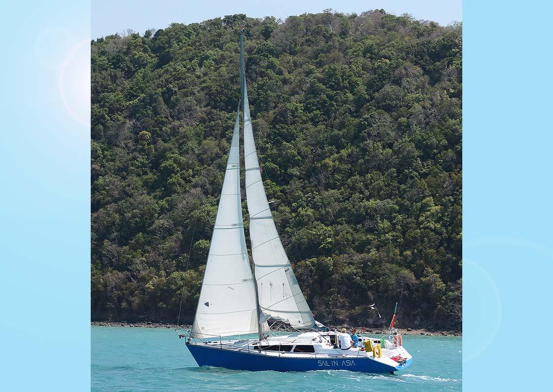 17-pinnochio-racing-charter-yacht-sail-in-asia