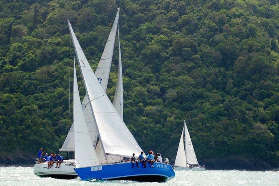 2-pinnochio-racing-charter-yacht-sail-in-asia