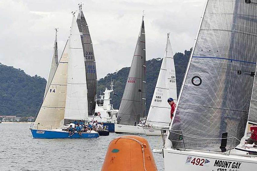3-piccolo-racing-charter-yacht-sail-in-asia