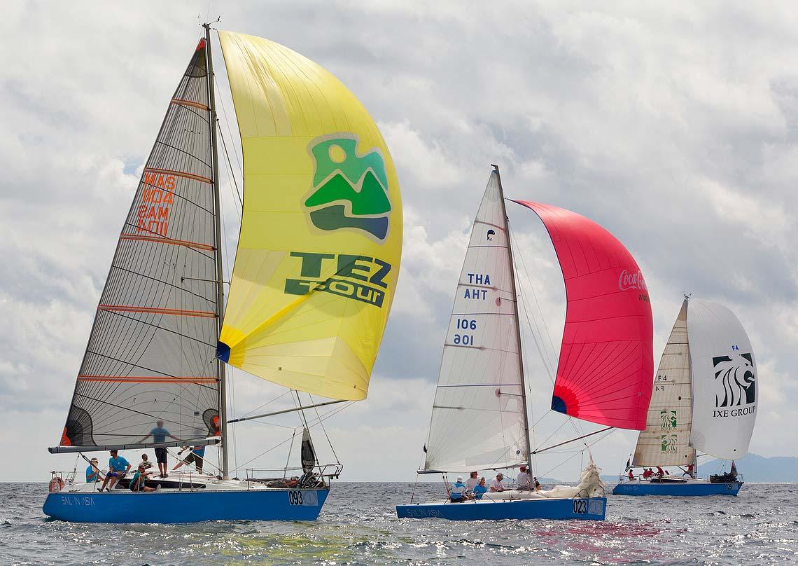 3-pinnochio-racing-charter-yacht-sail-in-asia