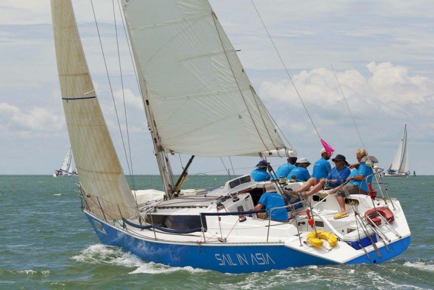 4-pinnochio-racing-charter-yacht-sail-in-asia