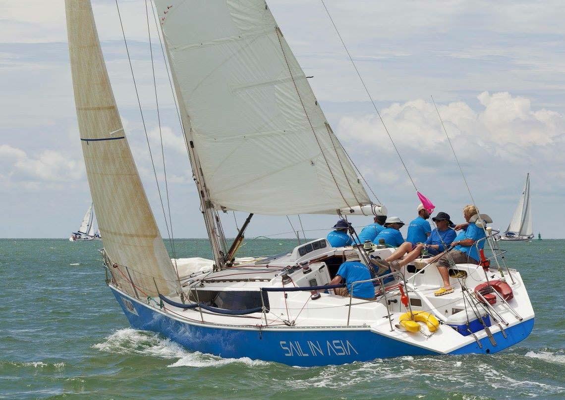 4-pinnochio-racing-charter-yacht-sail-in-asia