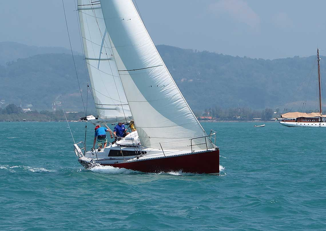 5-farrgo-express-racing-charter-yacht-sail-in-asia