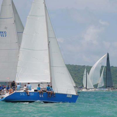 5-pinnochio-racing-charter-yacht-sail-in-asia