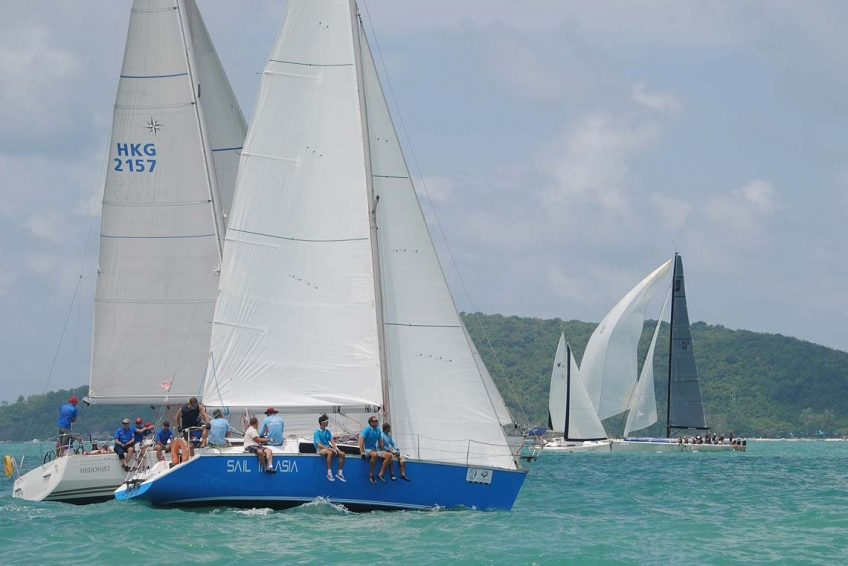 5-pinnochio-racing-charter-yacht-sail-in-asia