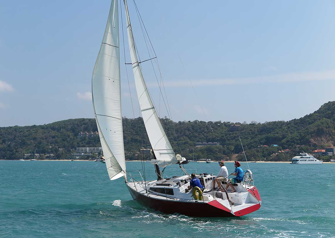 6-farrgo-express-racing-charter-yacht-sail-in-asia
