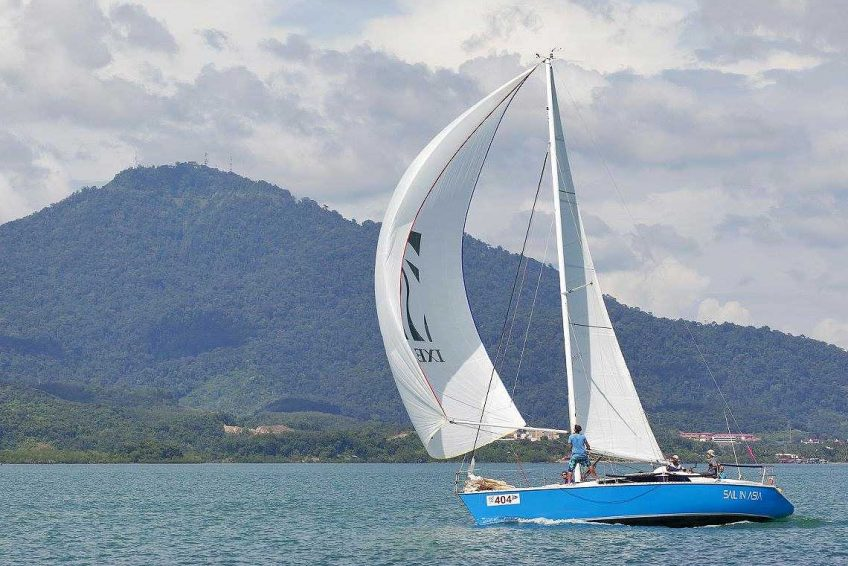 6-piccolo-racing-charter-yacht-sail-in-asia
