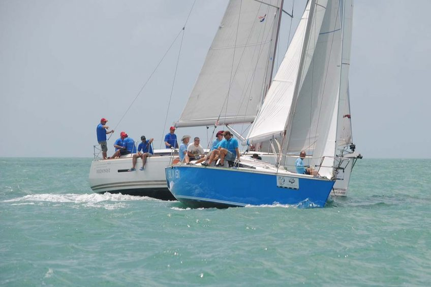 7-pinnochio-racing-charter-yacht-sail-in-asia