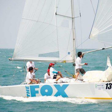 Fox-one-design-platu-fleet-sail-in-asia